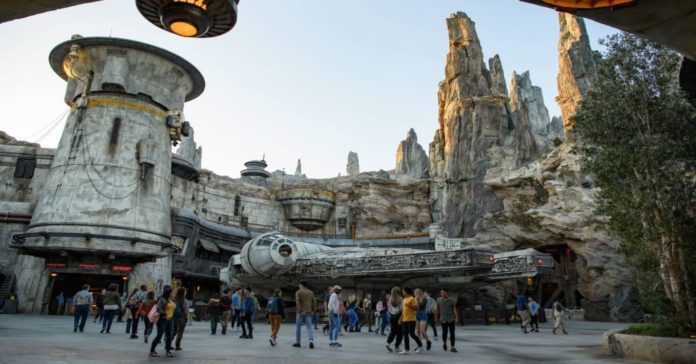 Disney Star Wars Social Media Messages