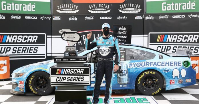 Kevin Harvick in typical form in win at atypical, fanless Darlington Raceway