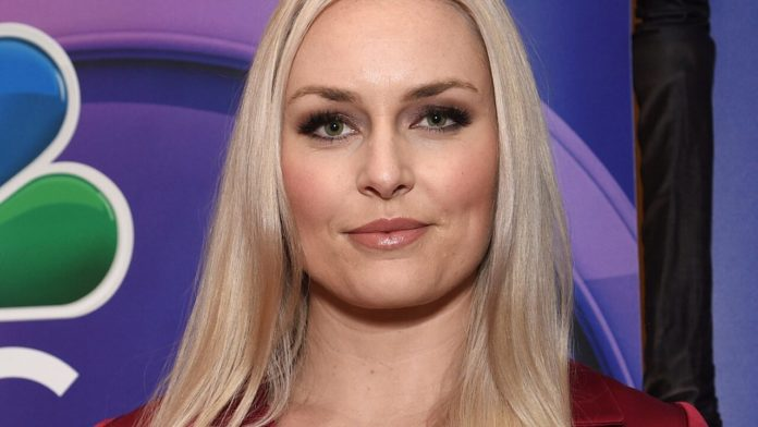 Swimsuit-clad Lindsey Vonn hangs out with her dogs during quarantine