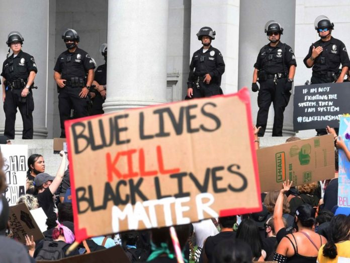 LAPD Morale Collapses to 'Record Low': 'It's Simply Not Worth It Any Longer'