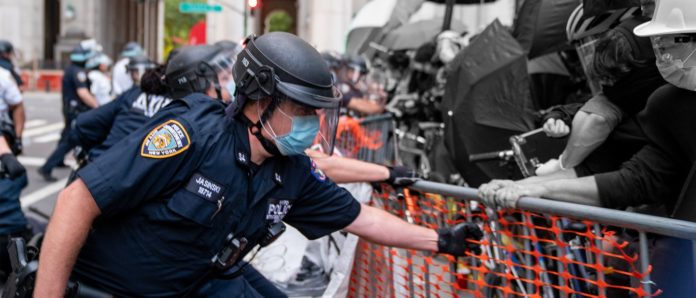 INSIDE SCOOP: COPS Tore Through Occupy NYC Barricades — We Were There, Here's What Happened