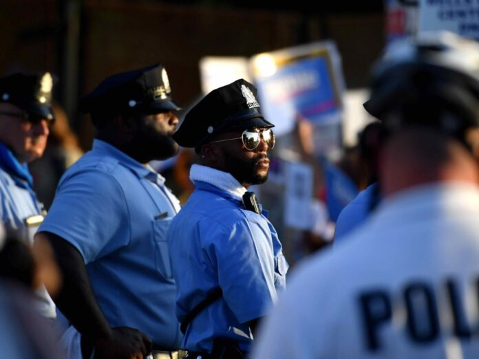 100 Police Agencies Quit Democratic National Convention over Tear Gas Ban