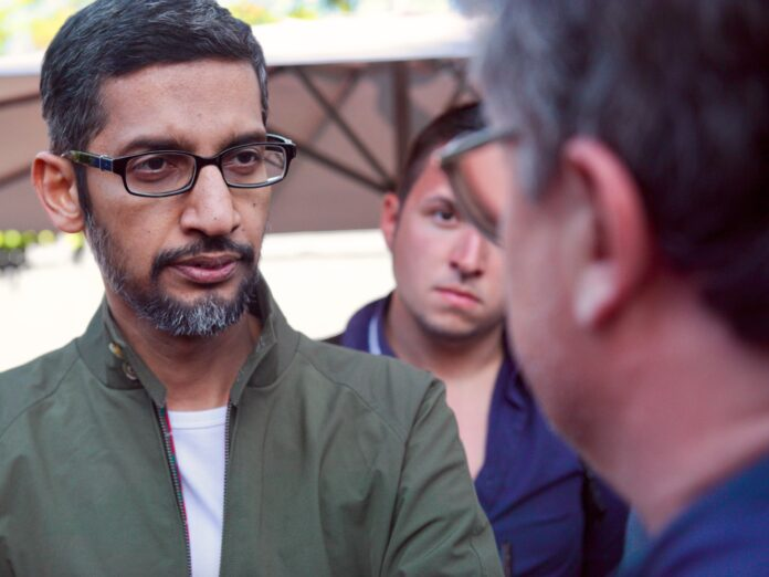Googlers fight to stay home and Apple goes to court
